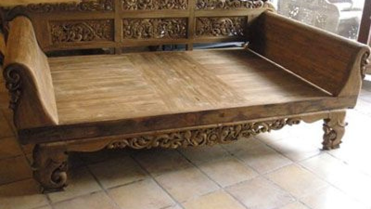 Picture of: Image Result For Balinese Daybed Colonial Furniture Indonesia Colonial Furniture Colonial Furniture Colonial Furniture Manufacturer